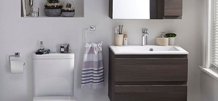 Decorating a small bathroom