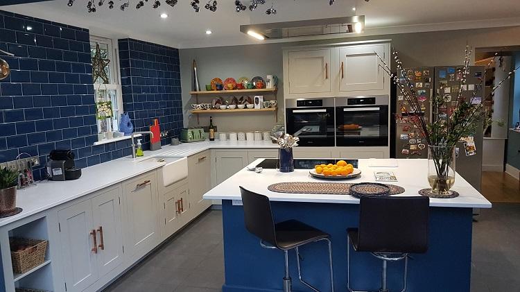 Hand Painted Kitchen Harvey Jones 7